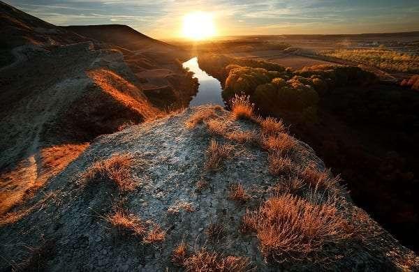 Bordeando el Pisuerga, un río con olor a vino