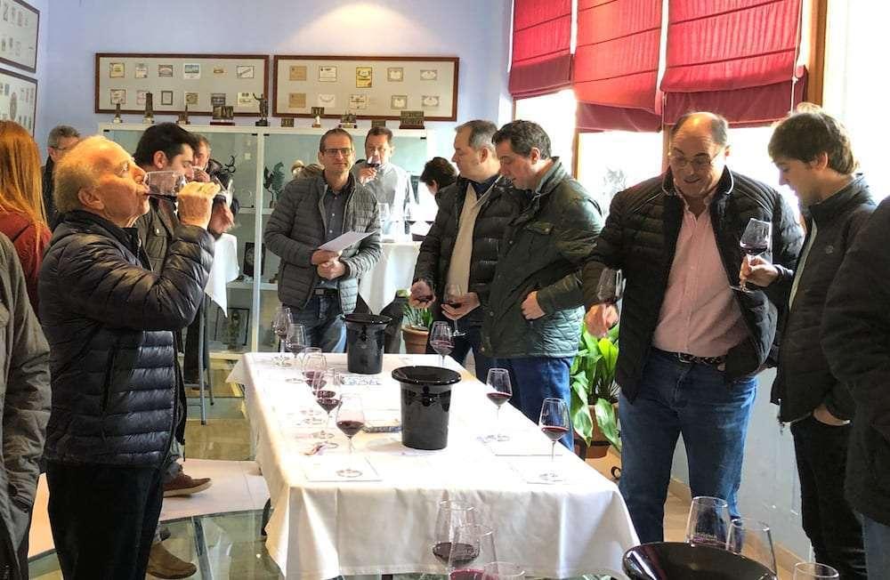Cata de vinos de la DOP Carinen a elaborados en Montpellier