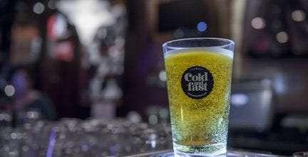 Bottoms Up Beer, el sistema de distribución de cerveza más rápido del mundo, aterriza en el Hard Rock Café de Madrid
