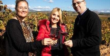 Cayetana Guillén Cuervo se convierte en embajadora de las Denominaciones de Origen Vino Somontano y Jamón de Teruel