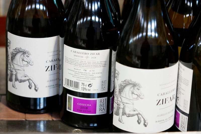 Ribera del Duero lanza al mercado su primer vino blanco con contraetiqueta oficial de la Denominación de Origen Protegida
